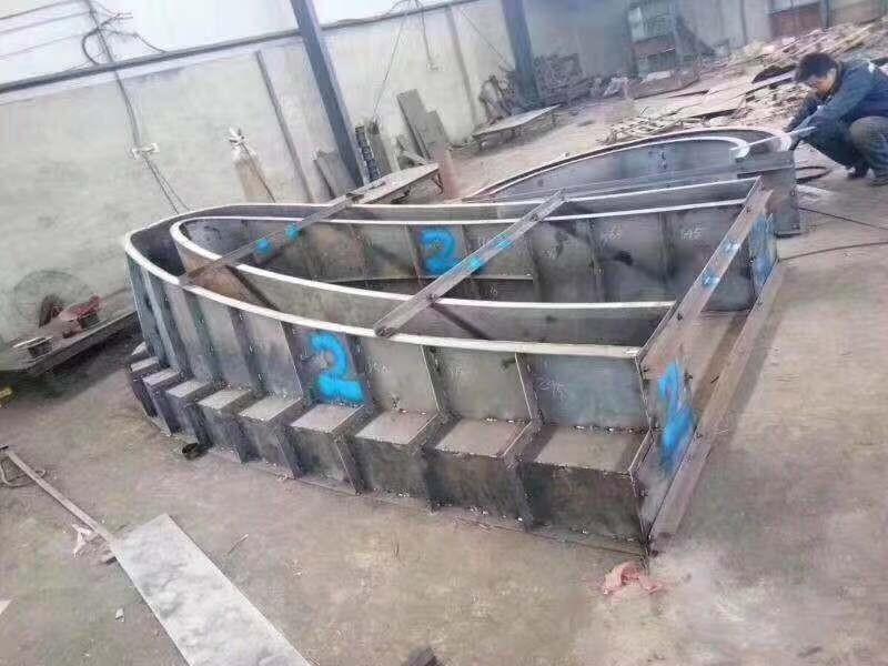 福泉防撞墙钢模具定做价格【宏敖模具】